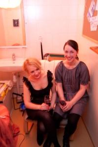 Frida och Marit i fylle-cellen