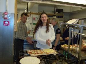 Beate har bytt frukosttjämnst mot pizzabakande