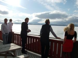 Allt medan resten tog sig en titt på utsikten, som var otrolig trots isande vindar från Femunden